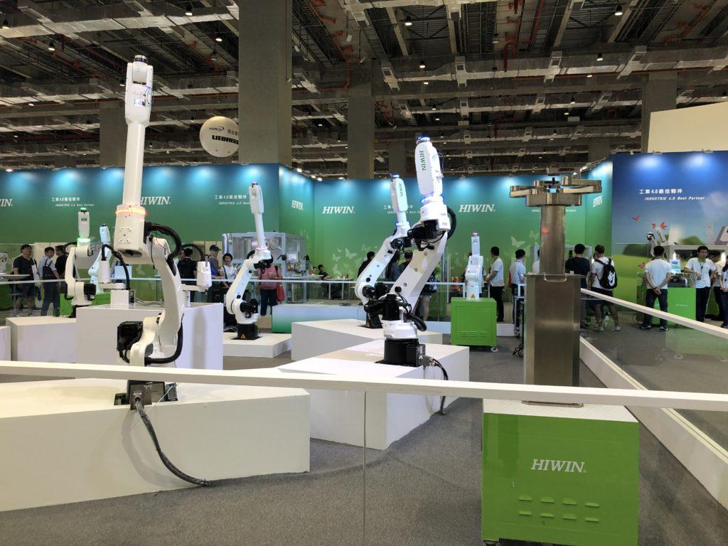ロボットアームのショー